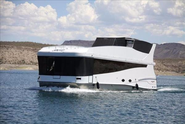 Bravada Yachts Axiom 1665