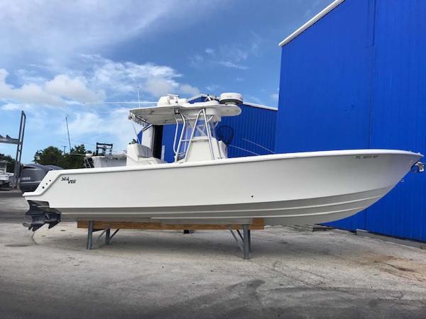 SeaVee 320B Main Profile