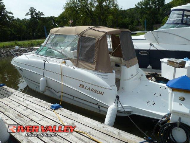 Larson Cabrio 274 Mid Cabin
