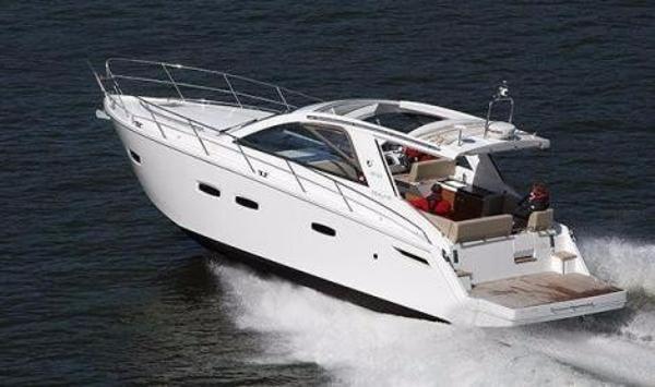 Sealine SC35 sealine SC 35 seven yachts