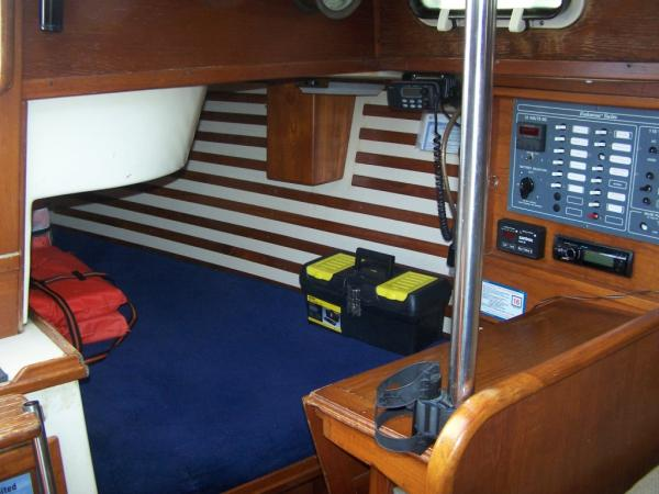 Nav station & quarter berth