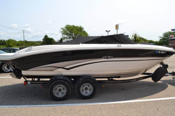 Sea Ray 220 Bow Rider 2002 Sea Ray 220 BR for sale in Janesville, WI