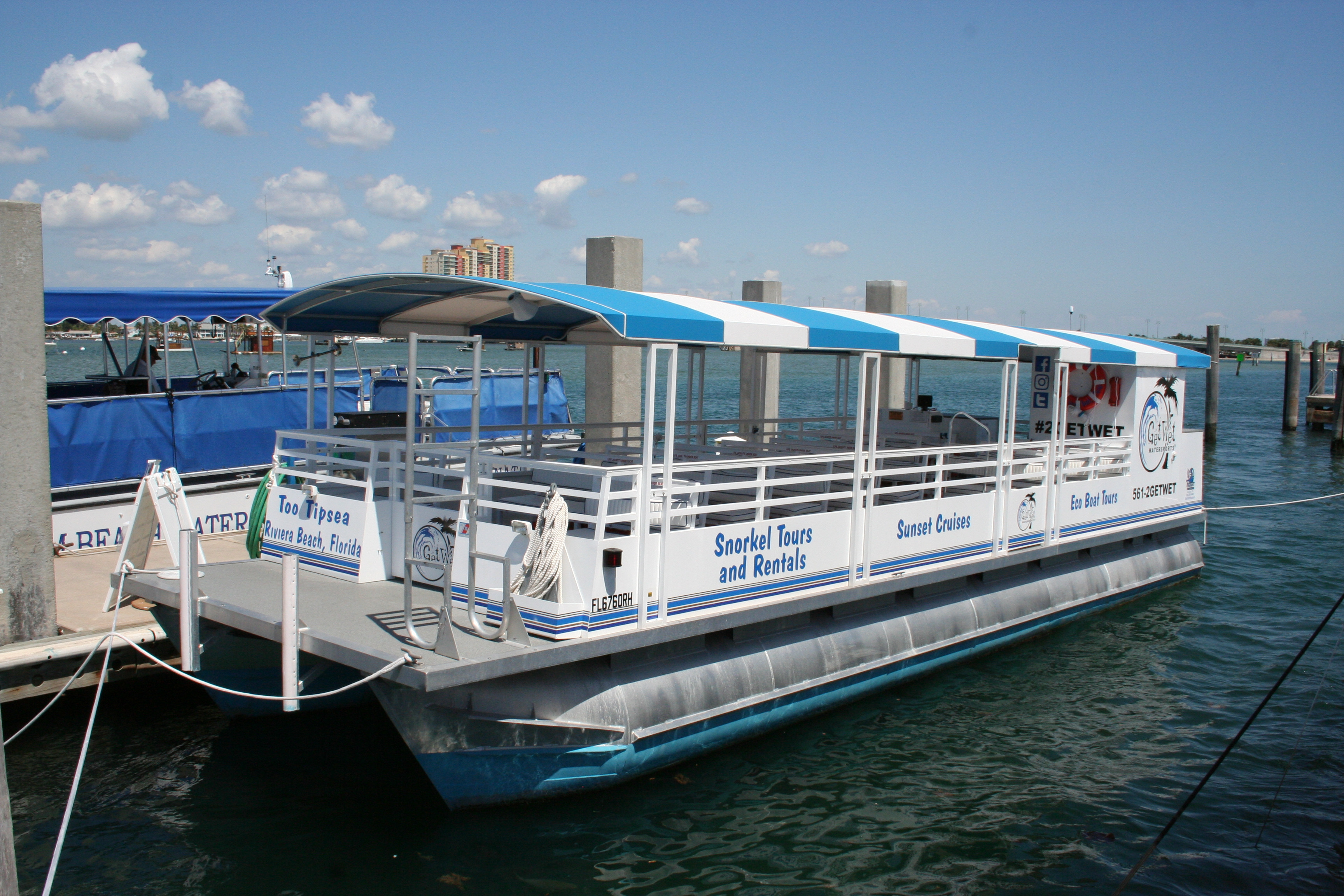 Outer Reef Trident Pontoon