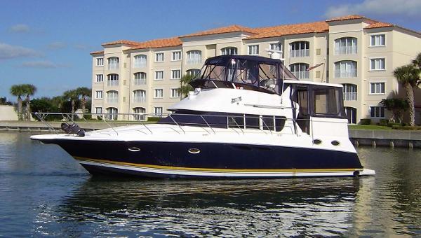 Silverton 402 Motor Yacht Main profile