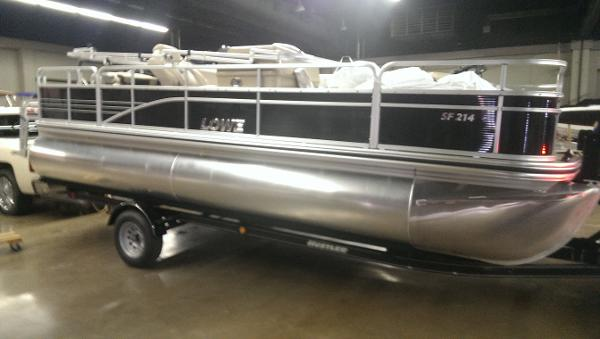 Lowe SF 214 Fishing Pontoon