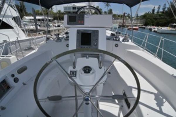Helm w/ folding wheel