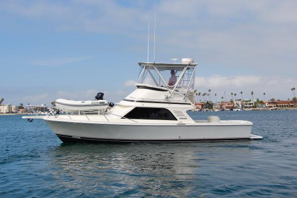 Blackfin 33 Flybridge Port Profile