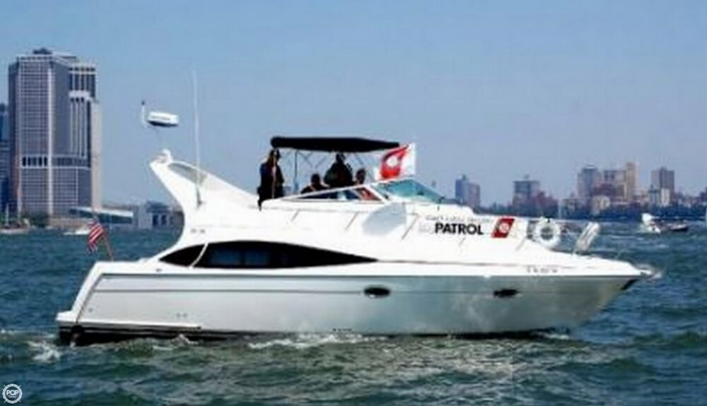 Carver 36 Motor Yacht 2005 Carver 36 for sale in West Haverstraw, NY