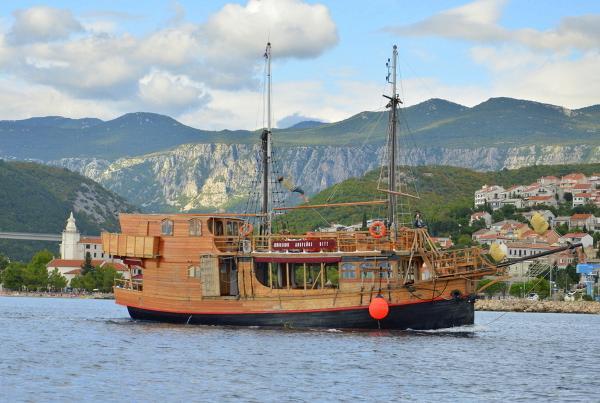 Wooden passenger Motor sailer