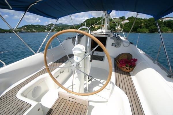 Jeanneau Sun Odyssey 34.2 Cockpit