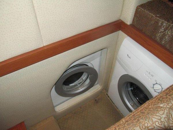 Seperate washer/Dryer in 3rd Stateroom