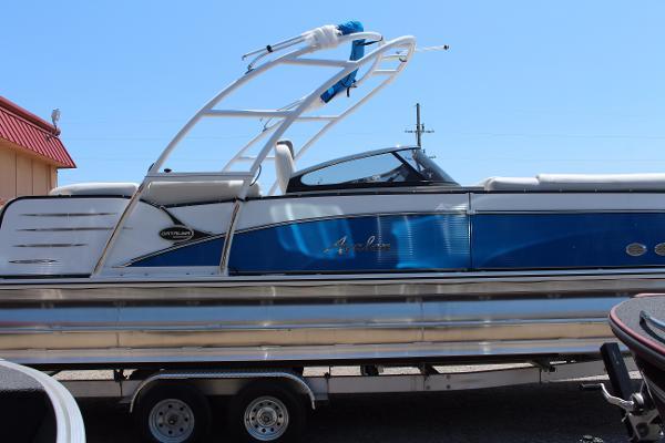 Avalon Catalina Platinum Elite Windshield - 27'