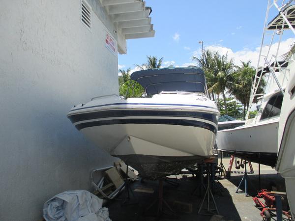 Hurricane 2400 sun deck