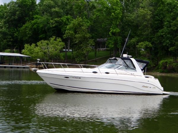 Rinker 340 Fiesta Vee Port Profile