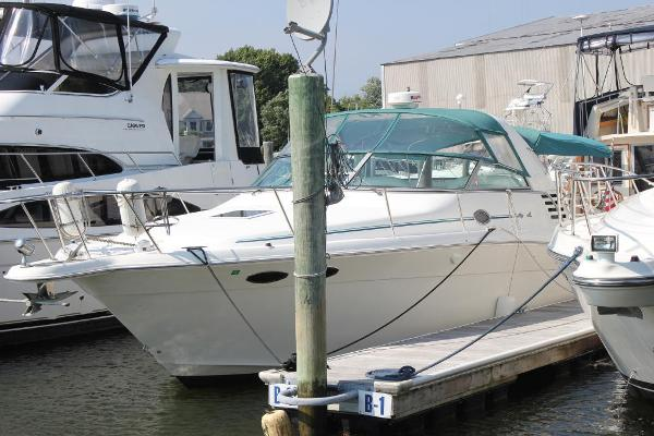 Sea Ray 330 Express Cruiser Port view