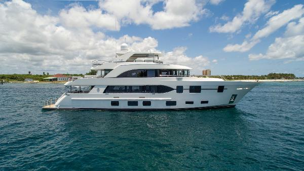 Ocean Alexander Tri Deck Motor Yacht The Rock