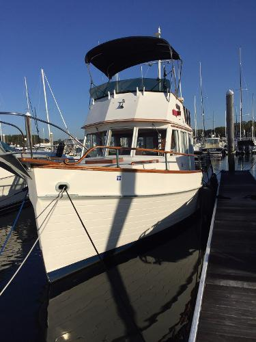 Grand Banks 32 Sedan Port profile forward