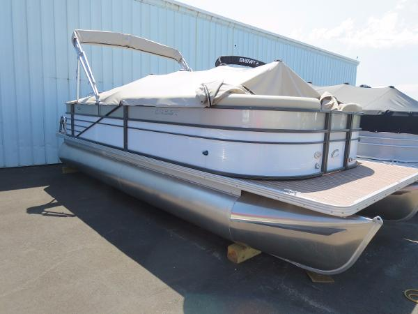 Crest Pontoon Boats II 230 L