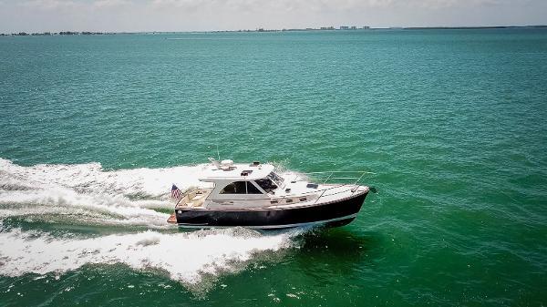 Legacy Yachts Legacy Tartan 32' Running Shot