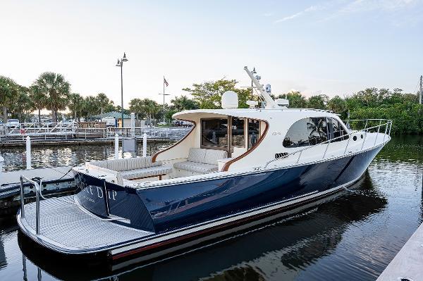 Palm Beach Motor Yachts PB50 Exterior