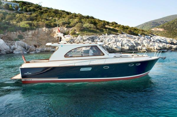 Windsor Craft 40 HT Enclosed