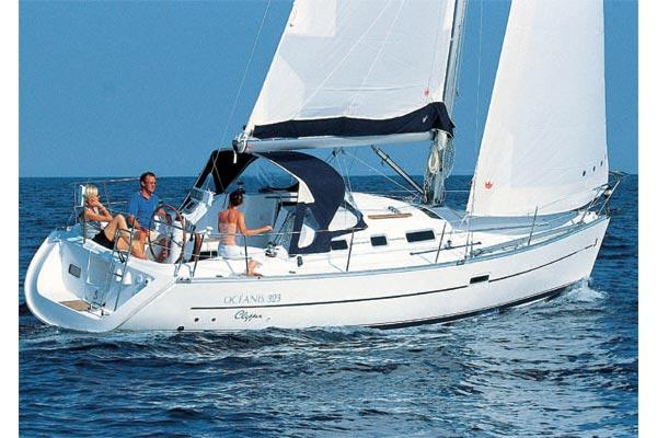 Beneteau Oceanis Clipper 323 Manufacturer Provided Image: Oc?anis Clipper 323
