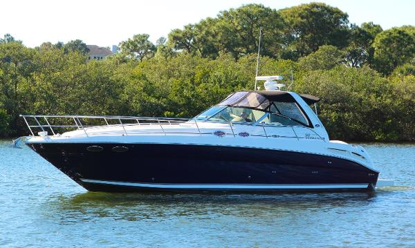 Sea Ray 380 Sundancer Profile