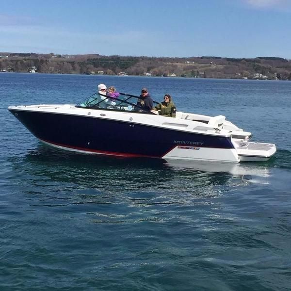 Monterey 258SS