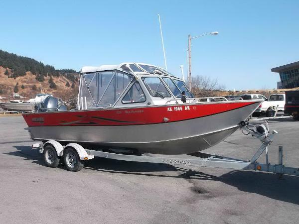 Hewescraft Sea Runner 220