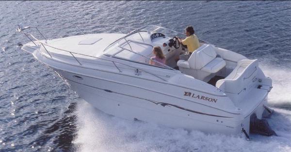 Larson Cabrio 245