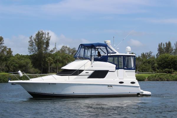 Silverton 392 Motor Yacht Profile