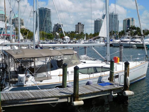Jeanneau Sun Odyssey 45ds At dock
