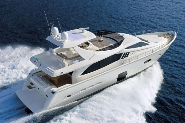 Ferretti Yachts 750 HT