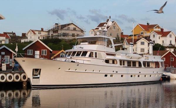 Feadship Flybridge Motor Yacht