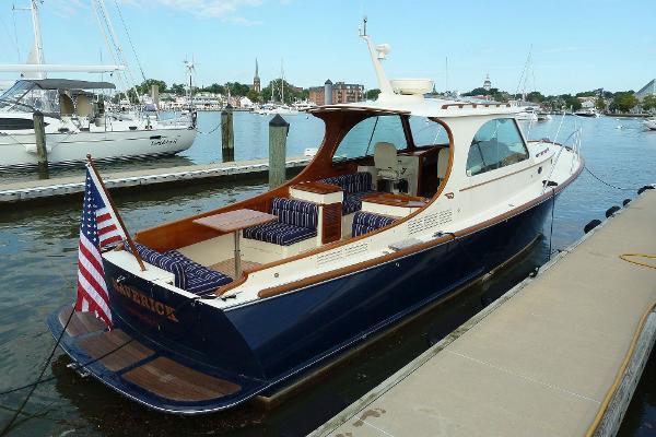 Hinckley Picnic Boat MKIII Maverick