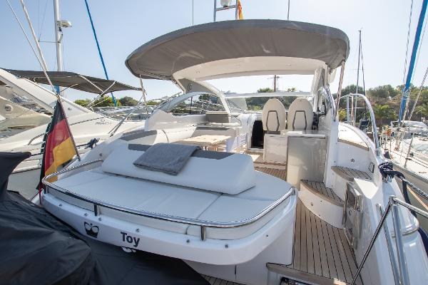 Princess V40 - Aft Sunbeds and Cockpit