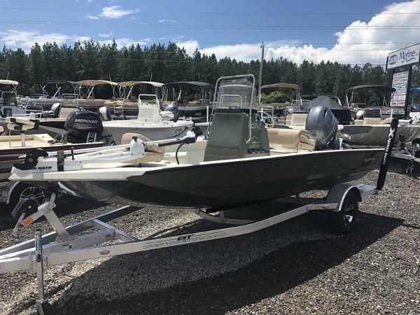Xpress Boats H18B