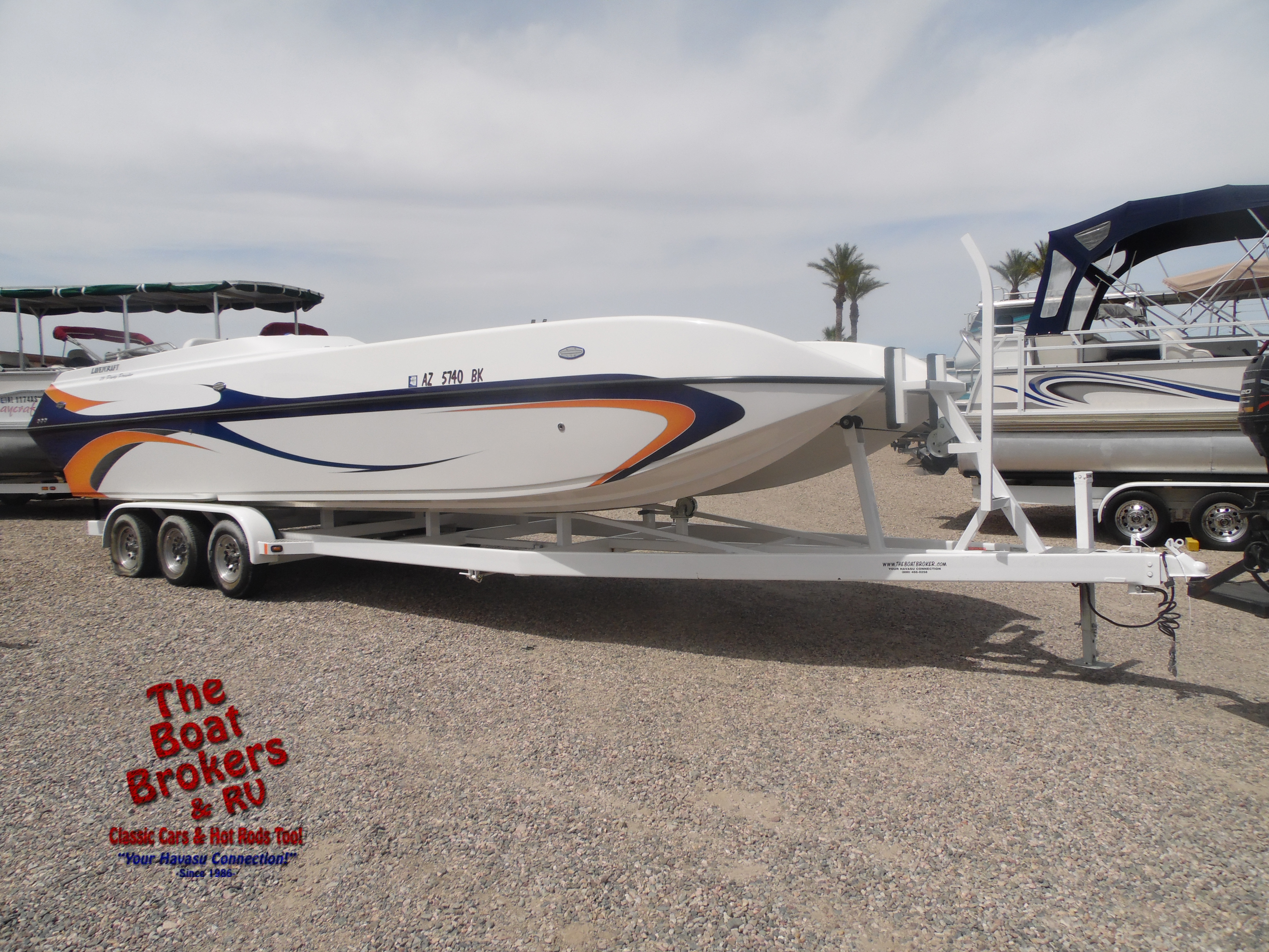 Lavey Craft Party Prowler Deck Boat