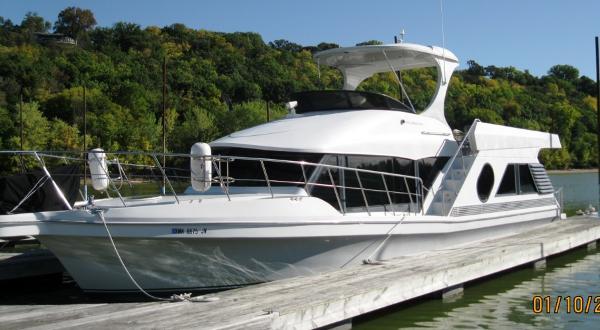 Bluewater Yachts 5200 Millenium 2001 5200 Milenium Edition