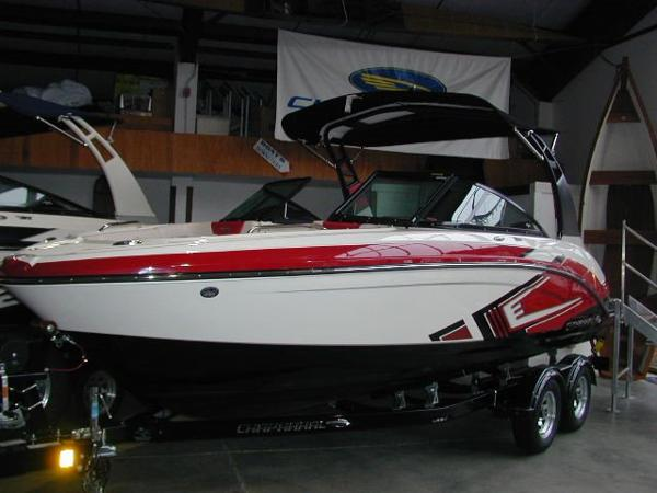 Chaparral 223 Vortex VRX Jet Boat