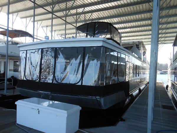 Fantasy House Boat 18'X85'