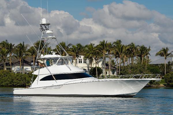 Viking Convertible w/2017 CAT C32A engines & Seakeeper Pescaria