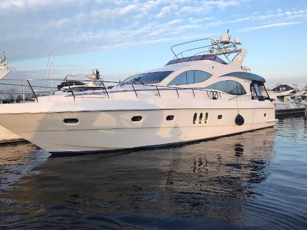 Majesty Yachts 66