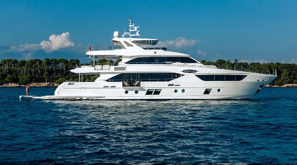 Majesty Yachts Majesty 110