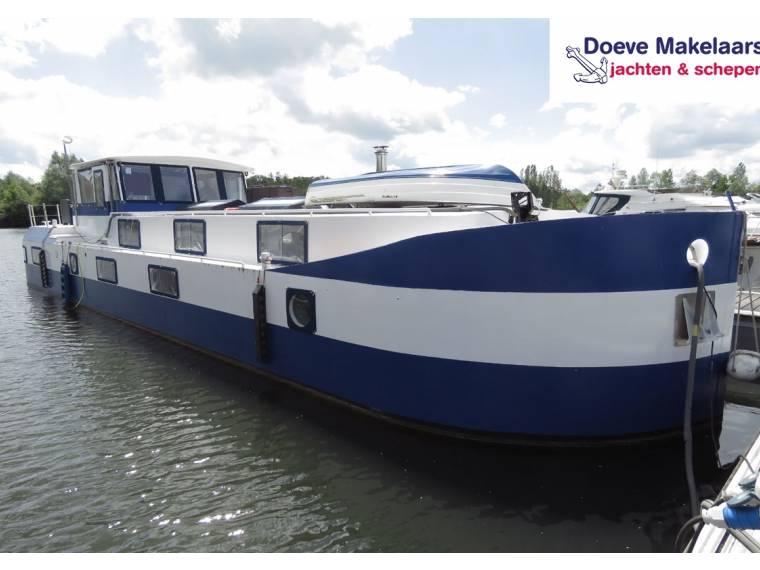 Cruising barge 18.00