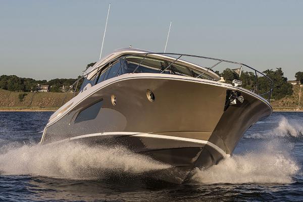 Tiara Yachts C53 Coupe
