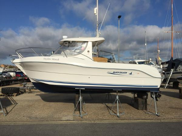 Quicksilver 640 Pilothouse Ashore