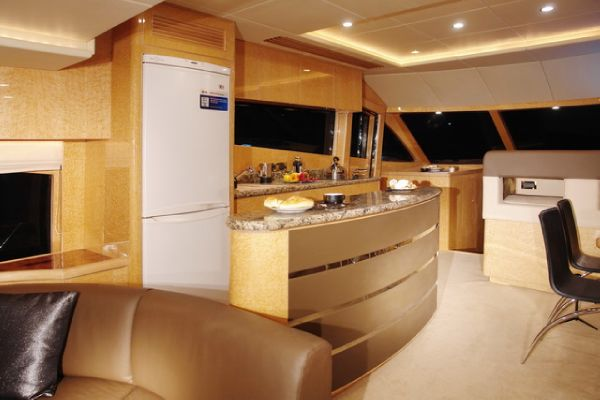 Dyna Craft 65 Galley