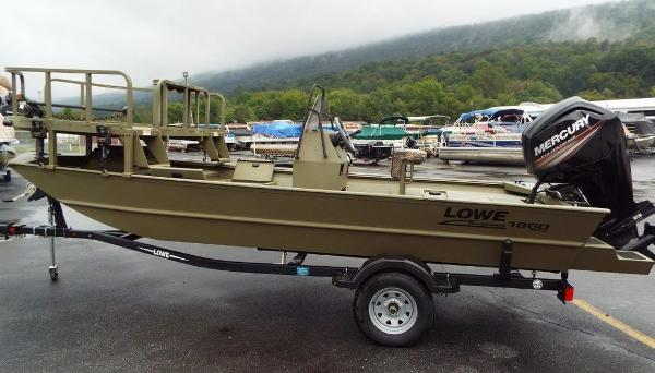 Lowe Boats Roughneck 1860