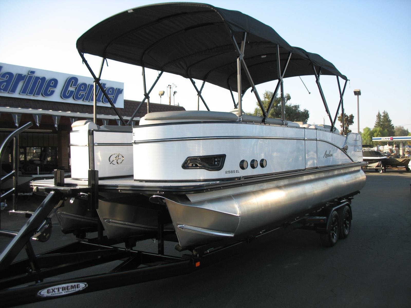 Avalon Catalina Elite 25' Tri toon - 200HP Mercury